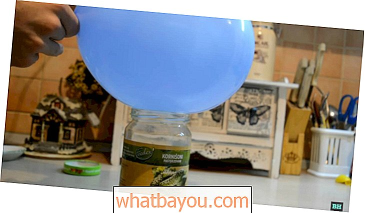 Brilliant Kitchen Hack: How to Seal a Jar ... With a Balloon